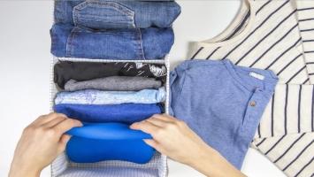 Hướng dẫn cách đóng gói quần áo, giày dép gửi chuyển phát nhanh cực đơn giản và gọn nhẹ
